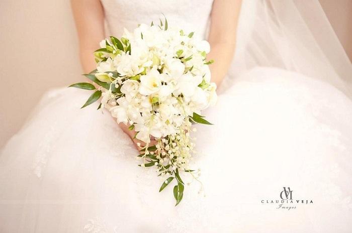 O Floare Din Buchetul De Mireasa De La Anaflor Wedmag