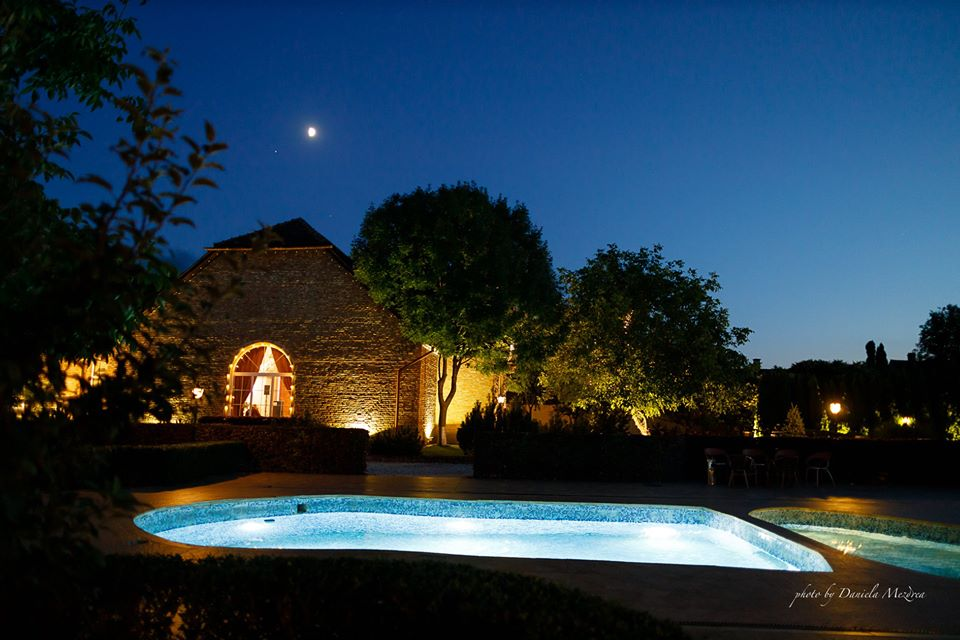 nunta vara conacul heldsdorf piscina